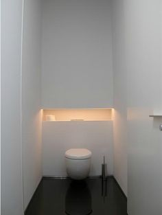 I interesting the retreat behind the toilet. Thinking about our washed - I interesting the retreat behind the toilet. Small Toilet Room, Guest Toilet, Downstairs Toilet, Bad Inspiration, Bathroom Inspiration, Bathroom Ideas, Bathroom Interior, Modern Bathroom, Beautiful Small Bathrooms