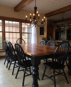 40 Adorable Farmhouse Dining Room Design and Decor Ideas Farmhouse Dining Room Table, Dining Room Furniture, Black Dining Room Table, Primitive Dining Rooms, Painted Kitchen Tables, Primitive Kitchen, 8 Person Dining Table, Furniture Design, Dining Table Redo