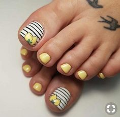 toe nail art designs toe nail art summer summer beach toe nails How to combine points up and include a … Pretty Toe Nails, Cute Toe Nails, Toe Nail Art, Gel Nails, Gel Toes, Easy Toe Nails, Acrylic Nails, Pretty Toes, Glitter Toe Nails