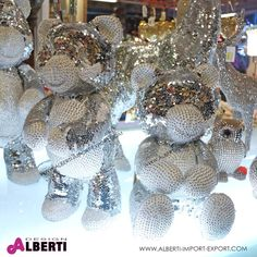 Orso pailettes argento 32/40cm assortito Orsetto seduto oppure in piedi ricoperto di paiettes.