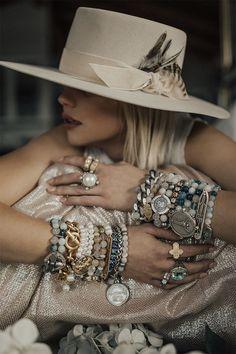 Tall Fashion Tips .Tall Fashion Tips Art Deco Jewelry, Boho Jewelry, Antique Jewelry, Vintage Jewelry, Jewelry Bracelets, Jewelry Armoire, Jewelry Findings, Jewellery, Boho Chic