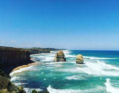 La Great Ocean Road et les 12 Apôtres  Magnifique !  #Australie #australia #greatoceanroad #12apostles #beach #plage by josua_miller http://ift.tt/1ijk11S