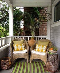 Small Front Porch Decorating Ideas Where did all the front porches go? Many homes today have very small porches. Although front porches are making a comeback many people have asked what options the… Farmhouse Front Porches, Small Front Porches, Front Porch Design, Decks And Porches, Porch Designs, Yard Design, Outdoor Rooms, Outdoor Living, Outdoor Decor