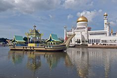 Brunei - reminds me of being sick, disgusting street food, but had a spiritual moment within this mosque..