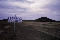 Es una área ubicada en la frontera de los estados de Coahuila, Durango y Chihuahua. Fue reportada por vez primera en la década de 1930 por Francisco Sarabia, piloto mexicano. Él afirmó que su radio había fallado misteriosamente mientras sobrevolaba el área. Desde entonces, muchas personas que han visitado la región han reportado que las señales de radio se desvanecen y que las brújulas dejan de apuntar al norte magnético.