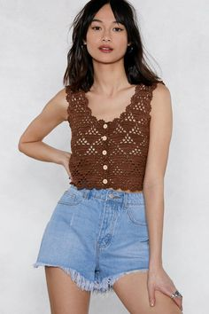 Crochet Blusas Design Go hard or go home. The Hole Shebang Crop Top comes in crochet and features a cropped silhouette, scoop neckline, and button-up front. Crochet Summer Tops, Crochet Crop Top, Crochet Blouse, Crochet Tops, Crochet Bodycon Dresses, Black Crochet Dress, Crochet Clothes, Diy Clothes, Crochet Buttons