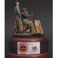 Lucky Guys! Panther-Vignette sculpted & painted by robertdoepp from:puttyandpaint  #scalemodel #plastimodelismo #miniatura #miniature #miniatur #hobby #diorama #humvee #scalemodelkit #plastickits #usinadoskits #udk #maqueta #maquette #modelismo #modelism