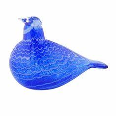 iittala Toikka Blue Bird In production since Oiva Toikka's remarkable cobalt Blue Bird is a strikingly bright and beautiful bird with a rich texture. Bird Artists, Glass Birds, Bird Species, Glass Design, Medium Art, Beautiful Birds, Cobalt Blue, Blue Bird, Glass Art