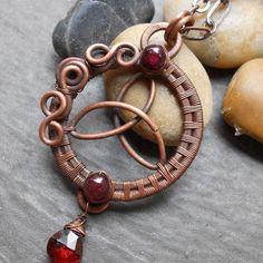 Triquetra Pendant | JewelryLessons.com