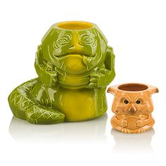 """Star Wars Geeki Tiki Mugs Take The Edge Off Our Summer-Long Thirst For """"The Last Jedi"""" Is there an endearing charm of summertime these kitschy Star Wars Geeki Tiki Ceramic Mugs don't honor in fine nerdy fashion? Chewbacca, Boba Fett, Party Barge, Jabba The Hutt, Star Wars Merchandise, Star Wars Celebration, Cocktails, Last Jedi, For Your Party"""
