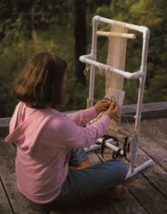 PVC Pipe Loom for weaving projects (with plans)