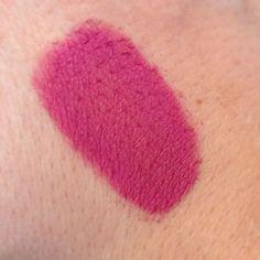 Matte electric pink loose eyeshadow
