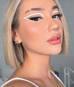 White Eyeliner Makeup, Edgy Makeup, Makeup Eye Looks, Eye Makeup Art, Skin Makeup, White Eyeliner Looks, Pretty Makeup Looks, Eyeline Makeup, Hair And Makeup