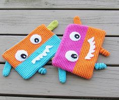 Crochet Pencil Cases! 12 Fun and Free Patterns