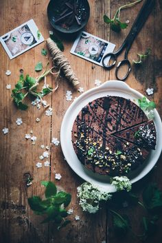 Call me cupcake: Vegan no bake chocolate mousse cake