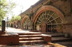 Bosques de Palermo. Restaurantes, pubs y vida nocturna, bajo los antiguos puentes ferroviarios.