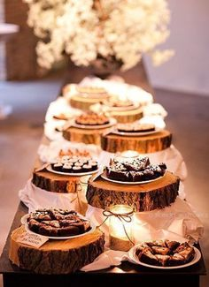 Wood pieces as holders for the Smores bar