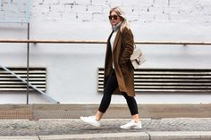 Blogger modelovers, Celine coat, Stan Smith Sneaker, Drykorn Turtleneck Sweater, Gucci Dionysus and Celine Sunglasses
