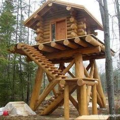 Awesome looking cabin on stilts. #deerstands