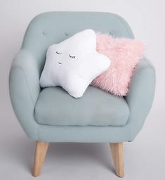 Cute decorative pillows, white star pillow and pink fluffy pillow for girls bedr. Cute decorative pillows, white star pillow and pink fluffy pillow for girls bedroom or nursery / girls bedroom decor ide. Room Decor Bedroom Rose Gold, Room Ideas Bedroom, Cute Pillows, Baby Pillows, Kids Pillows, Throw Pillows, Girl Nursery Themes, Teen Girl Bedrooms, Girl Rooms