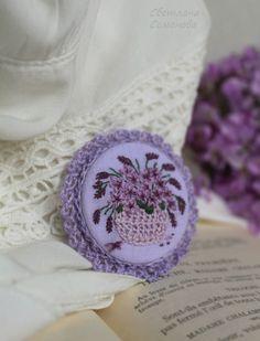 Купить Лиловых лепестков дыханье... Брошь с вышивкой - кружевной, винтаж, старинный, винтажное украшение