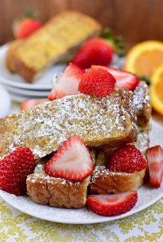 If you are taking care of your health and look, eating a filling low in calorie breakfast can do miracles for you and your mood too. #Low_Calories #Breakfast #Recipes