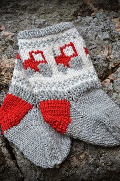Brit`s små puslerier: Liten traktor på små føtter! Baby Knitting, Christmas Stockings, Babies, Holiday Decor, Children, Needlepoint Christmas Stockings, Young Children, Babys, Tricot Baby