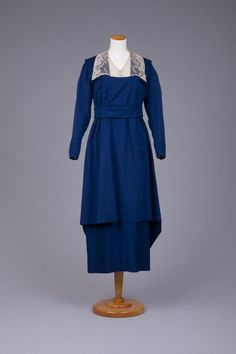 1915-1917: This reminds me of some of the dresses worn on Boradwalk Empire. They look so comfortable.