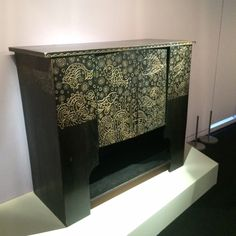 Credence' cabinet (1923) in black lacquered oak by Vittorio Zecchin. Exhibition 'Dolce Vita? Italian Decorative Art 1900-1940', Musée d'Orsay, Paris. See our blog for our coverage of the exhibition   www.arte-case.com
