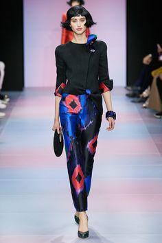 Armani Privé Frühjahr/Sommer 2020 Haute Couture - Fashion Shows London Fashion Weeks, Fashion Week Paris, Fashion 2020, Fashion Brands, Fashion Show, Armani Prive, Armani Collection, Collection Couture, Style Couture