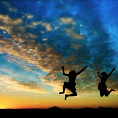 Sunset + silhouettes + a great trip out with your best friends = Awesome jumping shot for the books! #CaptureTheCover