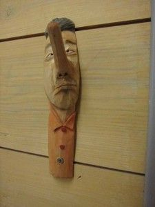 Brilliant coat hook from branch wood. Photo by Robin Wood, taken at Taljfest.