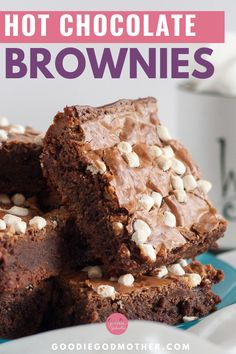 Get creative with your hot cocoa mix and make these crinkly top, fudge brownies! With a subtle hot cocoa flavor, and (of course) marshmallows, this is a great cozy dessert recipe! #brownies #hotchocolate #easydessert #snowdaybaking #dessertideas Homemade Brownies, Homemade Desserts, Easy Desserts, Delicious Desserts, Yummy Food, Dessert Cake Recipes, Brownie Recipes, Chocolate Recipes, Hot Chocolate Brownies