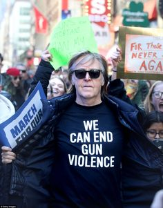 Paul McCartney wears a t-shirt reading 'We Can End Gun Violence' during the March For Our Lives protest in New York City Beatles Art, Beatles Photos, The Beatles, Happy Birthday Paul, Singing Happy Birthday, March For Our Lives, Sir Paul, Aerial Images, British Comedy