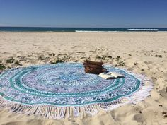 Pressing for a weekend at beach is a breeze. We all pretty much take our most recent swimming outfits, flip-flops, tank tops, scanty shorts, smoke screens, and most loved sunscreen. In any case, what the vast majority don't regularly put resources into is a trusty beach mat/towel.