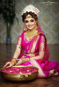 Indian Bridal Photos, Indian Bridal Outfits, Indian Bridal Fashion, Indian Fashion Dresses, Dress Fashion, Bridal Dresses, Bengali Bridal Makeup, Bengali Wedding, Bengali Bride