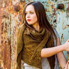 Feel Hugged Knitting pattern by Hanna Maciejewska