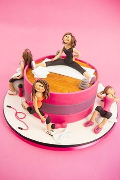 Learn how to make a fitness cake with expert video tuition from top cake decorator Paul Bradford. Join now to access of free cake decorating video lessons. Cake Decorating Courses, Cake Decorating Videos, Adult Birthday Cakes, Birthday Cakes For Women, Fancy Cakes, Cute Cakes, Fondant Cakes, Cupcake Cakes, Crossfit Cake