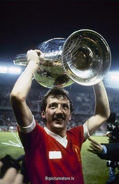 27051981 real madrid cf v lfc european cup final 1 0 Liverpool Fc Champions League, Liverpool Legends, Liverpool Fans, Premier League Champions, Liverpool Football Club, Retro Football, Sport Football, Soccer Teams, This Is Anfield