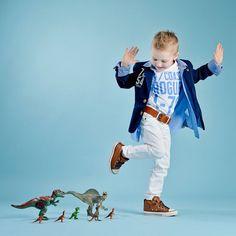 Preschool Photography, Toddler Boy Photography, Children Photography Poses, Kind Photo, Fotografia Tutorial, Dinosaur Photo, Foto Baby, Birthday Photography, Kid Poses