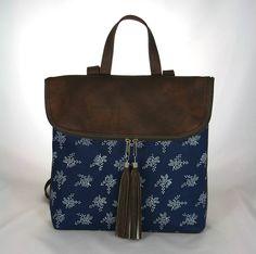 krásny batoh Radovan hnedý s modrotlačou