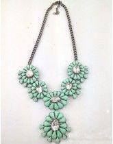 Hot Sale Elegant Blue Resin Crystal Flower Necklace