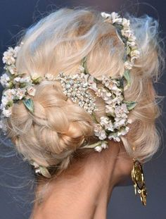 Dolce and Gabbana spring 2014 runway hair. Formal Hairstyles, Pretty Hairstyles, Wedding Hairstyles, Wedding Updo, Quinceanera Hairstyles, Medium Hairstyles, Protective Hairstyles, Celebrity Hairstyles, Wedding Bride