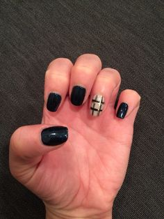 Plaid accent nail Accent Nails, My Nails, Plaid, Beauty, Gingham, Beauty Illustration, Tartan