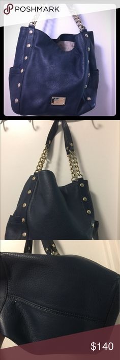 Gently used Michael Kors LEATHER purse 👛 Meet Delancy!  She's a little bit classy AND a little bit sassy. I loved this purse but I just don't reach for it anymore.  Includes the dust bag! No offers, no trades. Considering the condition it is in, I believe my price is very fair!! Thanks for looking! Michael Kors Bags Shoulder Bags