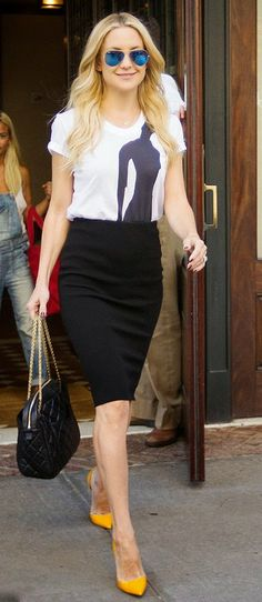#KateHudson #GraphicTee #PencilSkirt #Louboutin #ChanelBag #YellowPumps