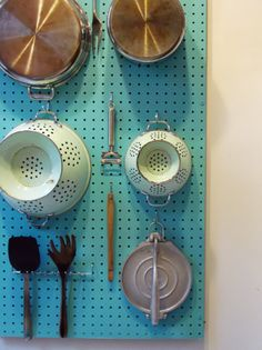 Our DIY home organization project for the New Year involved hanging a pegboard organizer in our tiny kitchen Smart Kitchen, Kitchen Pantry, Kitchen Storage, Kitchen Pegboard, Kitchen Ideas, Kitchen Decor, Kitchen Island, Kitchen Magic, Kitchen Trends