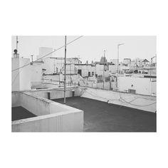 De Cádiz y de su techo. #cádiz #cai #andalucía #spain #blancoynegro #blackandwhite #tejados #roofs #cityroof #vsco #vscoedit #vscolovers #igers #igerscadiz #igerspain #canon6d #50mm