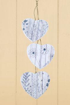 Hanging hearts printed with the Hannah Burbury screen + Screen Sensation