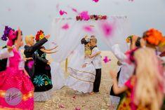 Oaxaca y Huatulco sin duda es el lugar ideal para el romanticismo, y Sea Soul Huatulco es una locación maravillosa para tu boda en playa. Bodas Huatulco #BodasHuatulco #Weddinggown #gettingready #MexicanWedding #HuatulcoWeddings #Oaxaca #Huatulco #Bodaoaxaqueña #bodamexicana #mexicanchic  #mexicantraditions #tradicionmexicana Bodas_Huatulco #BarbieWedding #FridaKahlo #BeachWedding #DestinationWeddingMexico #Surferwedding #CovidWeddings